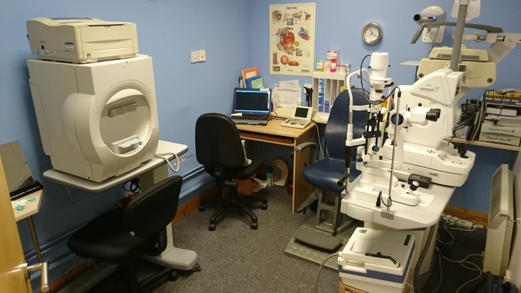 optomeyes eye test room