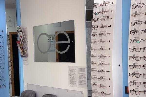 Optomeyes Optician East Kilbride home page slide 1